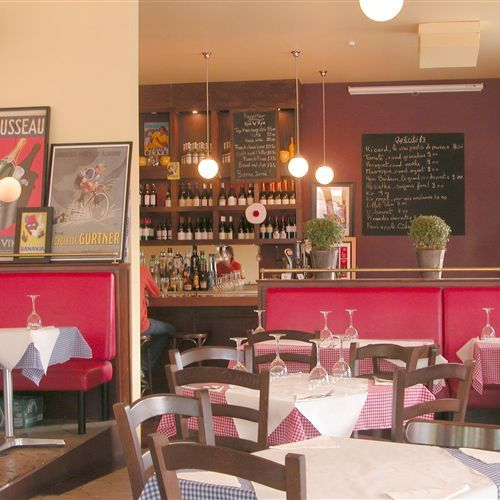 Interior of Pastis restaurant